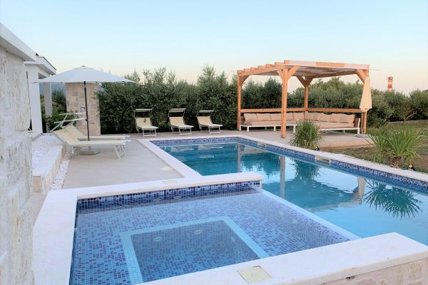 Swimming pool - Holiday home in Trogir